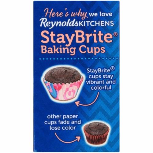 Reynolds StayBrite Baking Cups Perspective: back