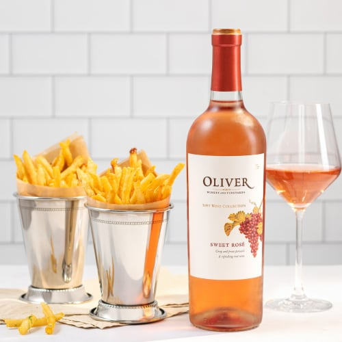 Oliver Winery Sweet Rose Perspective: back