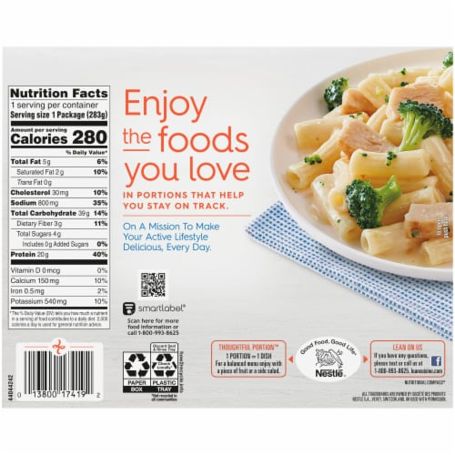 Lean Cuisine Favorites Alfredo Pasta with Chicken & Broccoli Frozen Meal Perspective: back