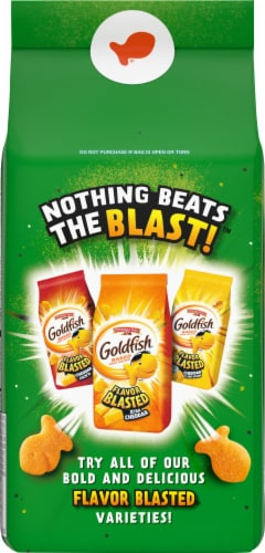 Goldfish Flavor Blasted Cheesy Pizza Baked Snack Crackers Perspective: back