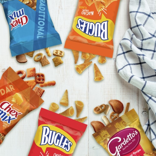 General Mills Snack Time Favorites Classic Mix Variety Pack Perspective: back