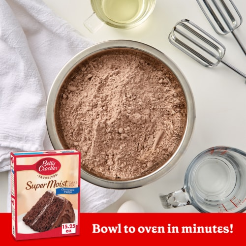 Betty Crocker Super Moist Chocolate Fudge Cake Mix Perspective: back