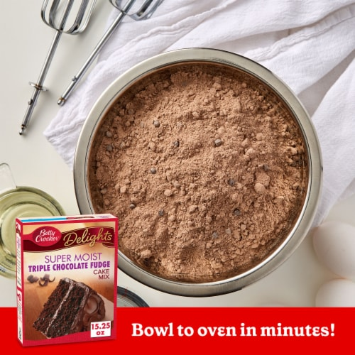 Betty Crocker Delights Super Moist Triple Chocolate Fudge Cake Mix Perspective: back