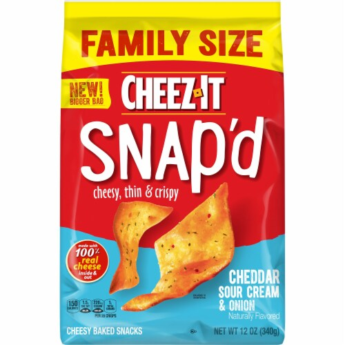 Cheez-It Snap'd Cheddar Sour Cream and Onion Crackers Family Size Perspective: back