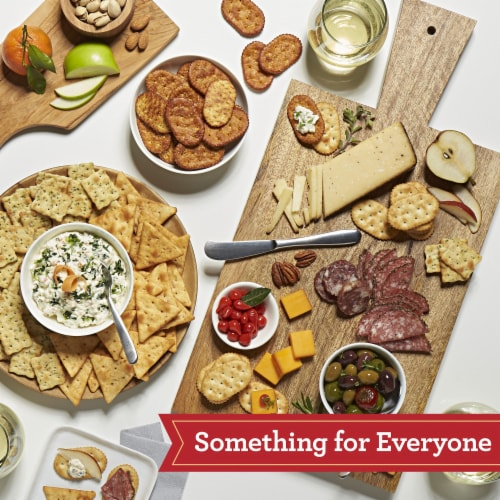 Town House Pita Crackers Mediterranean Herb Perspective: back