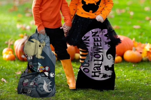 Jay Franco Nightmare Before Christmas Trick or Treat Pillowcase Perspective: back