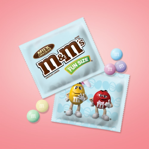 M&M'S Milk Chocolate Easter Candy Fun Size 10.53-Ounce Bag Perspective: back
