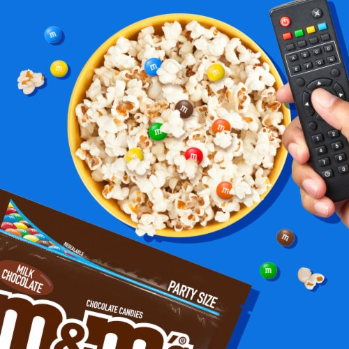 M&M'S Milk Chocolate Candy, 38-Ounce Party Size Bag Perspective: back