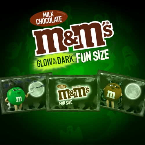 M&M'S Glow In The Dark Milk Chocolate Fun Size Halloween Candy Perspective: back