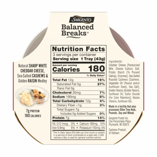 Sargento Balanced Breaks Sharp White Cheddar Cashews & Raisins Snack Packs Perspective: back