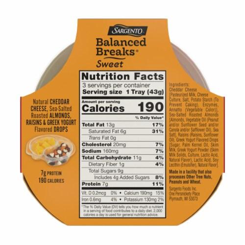 Sargento Sweet Balanced Breaks Cheddar Cheese Almonds Raisins & Greek Yogurt Drops Snack Packs Perspective: back