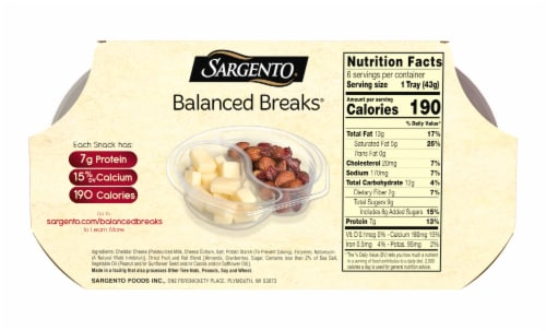 Sargento Balanced Breaks Natural White Cheddar Cheese with Almonds & Dried Cranberries Snack Packs Perspective: back
