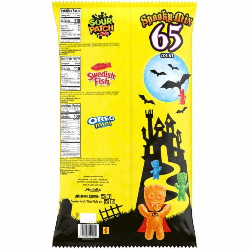 Sour Patch Kids Oreo Minis & Swedish Fish® Treat Size Variety Pack Perspective: back