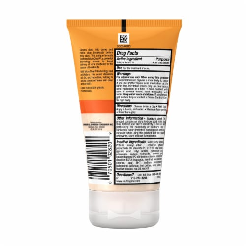 Neutrogena Oil-Free Acne Wash Daily Scrub Perspective: back