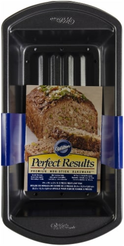 Wilton Perfect Results Meatloaf Baking Pan Set Perspective: back