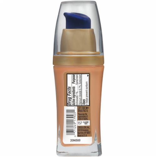 L'Oreal Paris Visible Lift Classic Tan Serum Absolute Foundation Perspective: back
