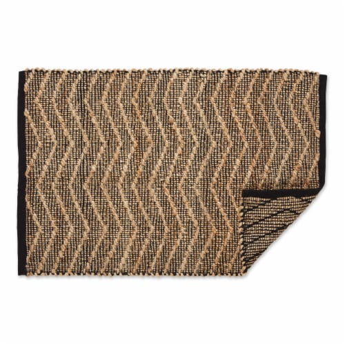 Dii Black With Natural Jute Chevron Hand-Loomed Rug Perspective: back