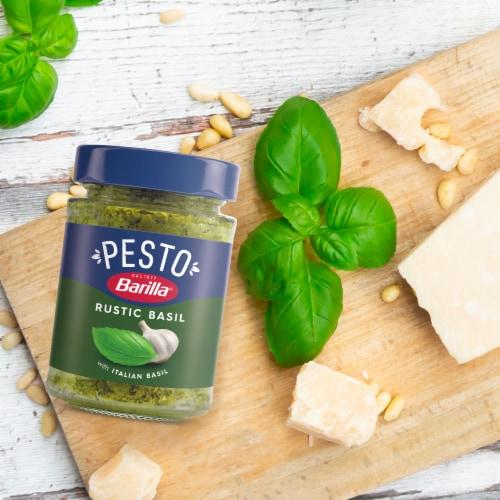 Barilla Rustic Basil Pesto Sauce Perspective: back