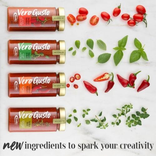 Barilla Vero Gusto Calabrian Marinara Sauce Perspective: back