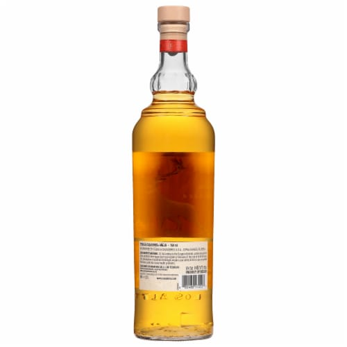 Cazadores Tequila Anejo Perspective: back