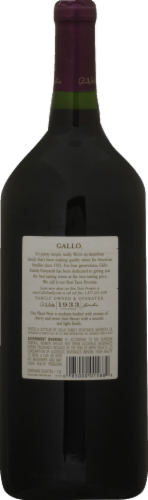 Gallo Family Vineyards Pinot Noir Red Wine Perspective: back