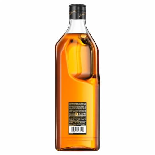 Johnnie Walker Black Label Blended Scotch Whisky Perspective: back
