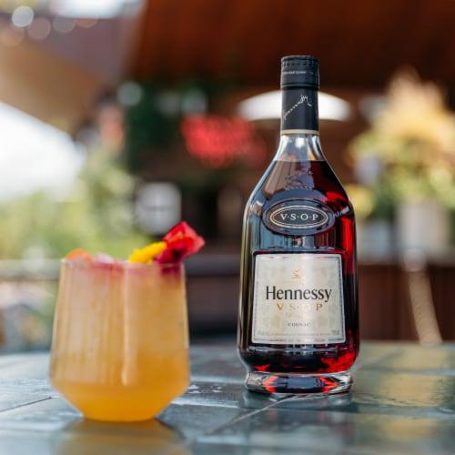 Hennessy V.S.O.P Privilege Cognac Perspective: back