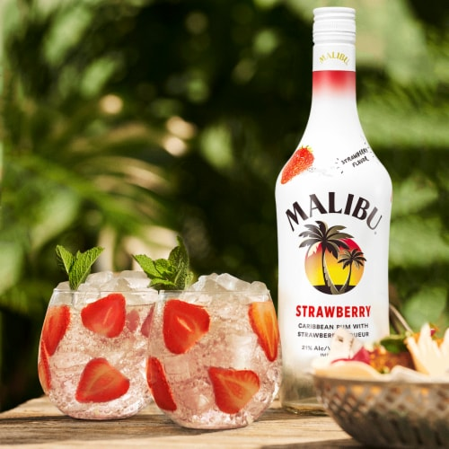 Malibu Caribbean Rum with Strawberry Liqueur Perspective: back