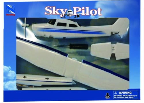 Snap Together Model Cessna 172 Skyhawk with Float, 1:42 Scale Perspective: back