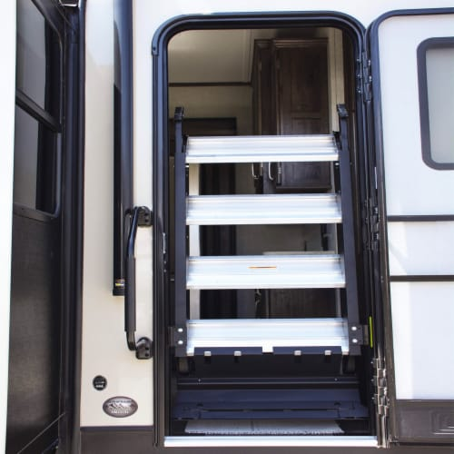 MORryde StepAbove 31.5 to 37 In 3 Step Portable RV Camper Stairs w/ Strut Assist Perspective: back
