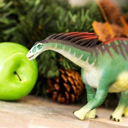 Amargasaurus Toy Perspective: back