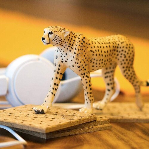 Cheetah Toy Perspective: back