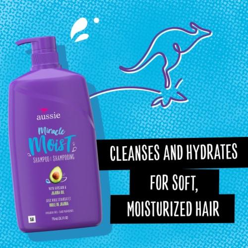 Aussie Miracle Moist Avocado & Australian Jojoba Oil Shampoo Perspective: back