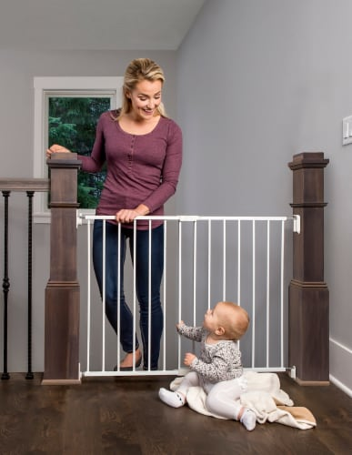 Regalo Top of Stairs & Hallway Baby Safety Gate Perspective: back