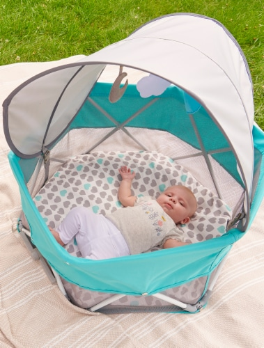 Regalo My Play Baby Portable Bassinet Perspective: back