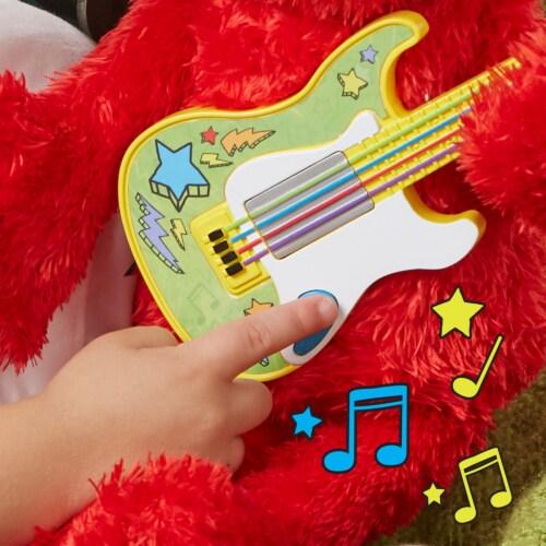 Playskool Sesame Street Rock and Rhyme Elmo Perspective: back