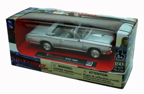1:43 Scale Die-Cast Silver 1966 Pontiac GTO Convertible Perspective: back