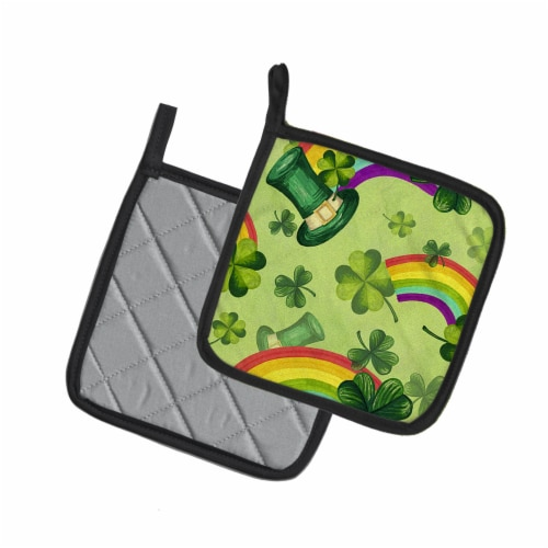 Watercolor St Patrick's Day Lucky Leprechan Pair of Pot Holders Perspective: back