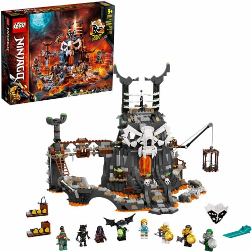 LEGO 71722 NINJAGO Skull Sorcerers Dungeons Playset and Board Game (1171 Pieces) Perspective: back
