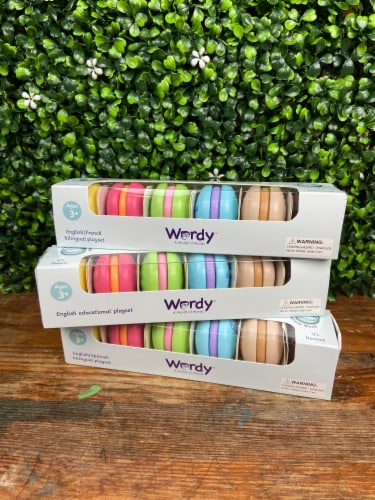 Wordy Macaron English/French Perspective: back