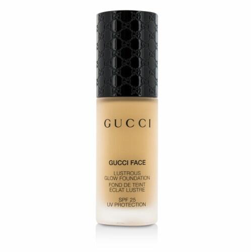 Gucci Lustrous Glow Foundation SPF 25  #060 (Medium) 30ml/1oz Perspective: back