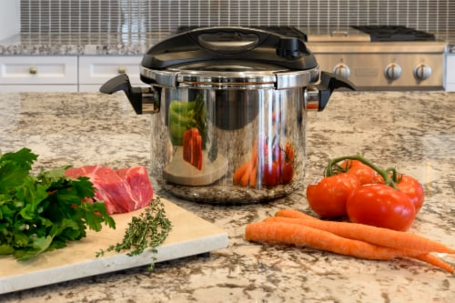 8 Quart Pressure Cooker Easy-Lock Lid Stove Top Induction Compatible Perspective: back