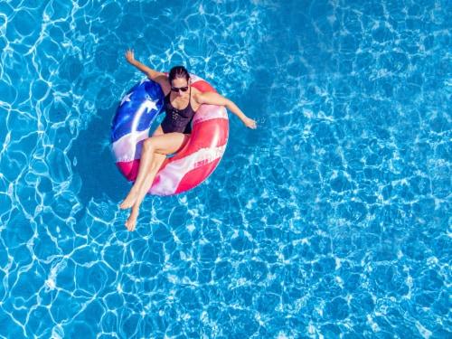 Pool Candy Jumbo Stars & Stripes Pool Tube Perspective: back