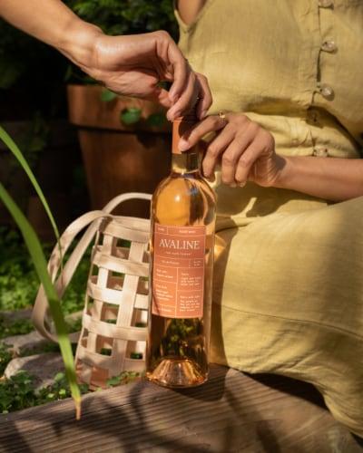 Avaline Rose Wine Perspective: back
