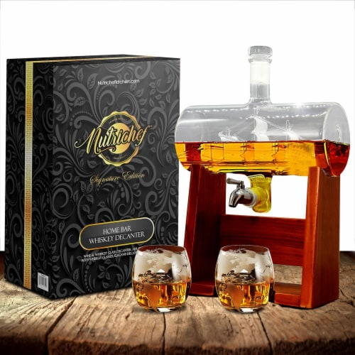 NutriChef Home Bar Glass Barrel Whiskey Carafe Alcohol Decanter Set w/ Glasses Perspective: back