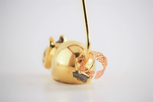 Vibhsa Mouse Ring Holder - Gold Perspective: back