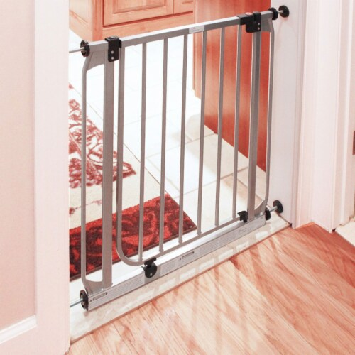 Dreambaby L894S Dawson 28 to 32 Inch Auto-Close Stay Open Security Gate, Silver Perspective: back