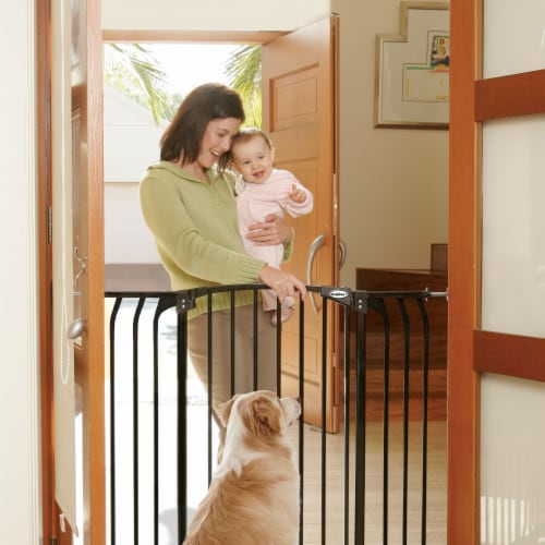 Bindaboo B1124 Zoe 38 to 42.5IN Extra Tall Wide Auto-Close Baby Pet Gate, Black Perspective: back