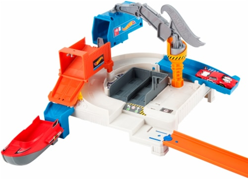 Mattel Hot Wheels® Shipyard Escape Play Set Perspective: back