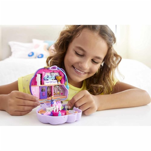 Polly Pocket Jumpin? Style Pony Compact with Horse Show Theme, Micro Polly Doll & Friend Perspective: back